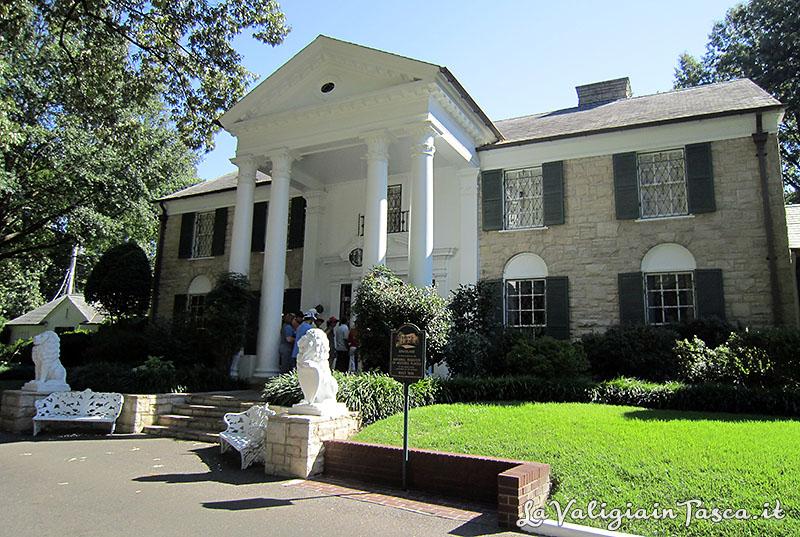 Graceland la casa di elvis presley il re del rock for Foto di decorazione della casa del cottage